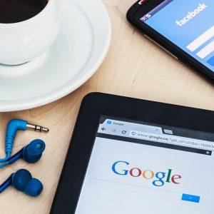 פייסבוק או גוגל