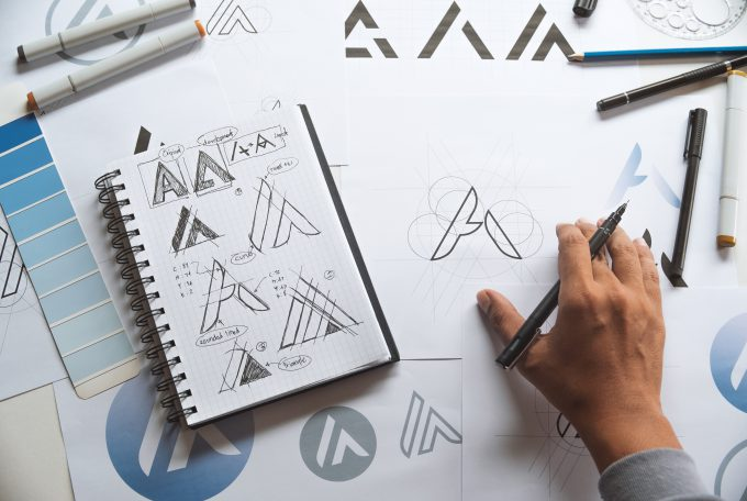 עיצוב לוגו יוקרתי: לעסקים שממתגים את עצמם גבוה